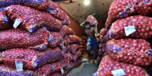 Onion Prices Jumps Four Times Know Reason Why Rates Of Onion Get Increased