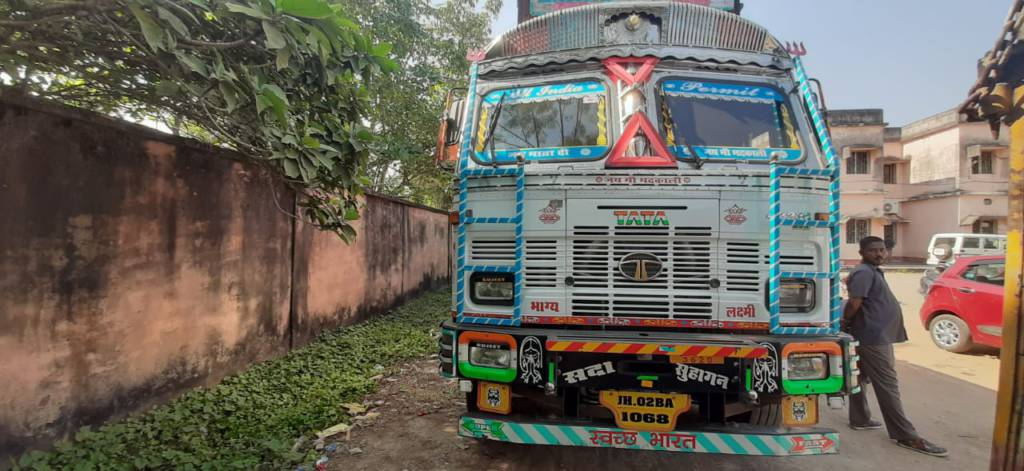 Bhadrak RTO Fined 87,620 Rupees To An Truck For Playing In Road With Out Permit