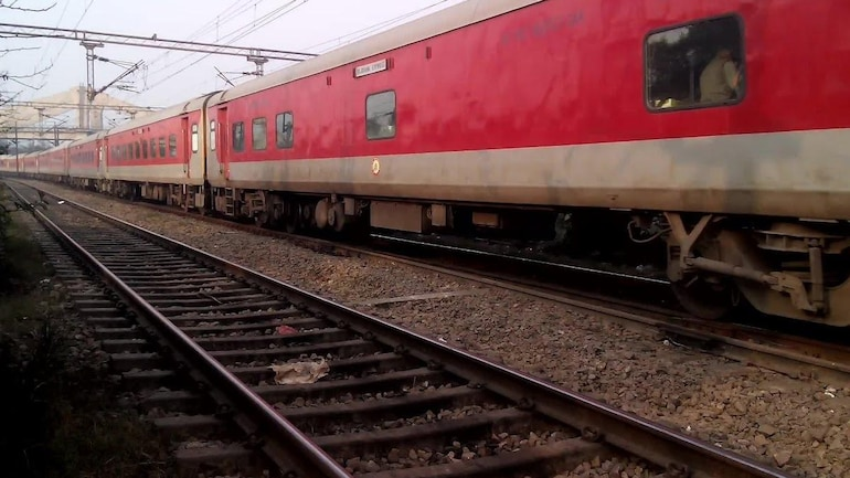 Six Special Train Cancelled Between New Delhi And Bhubaneswar