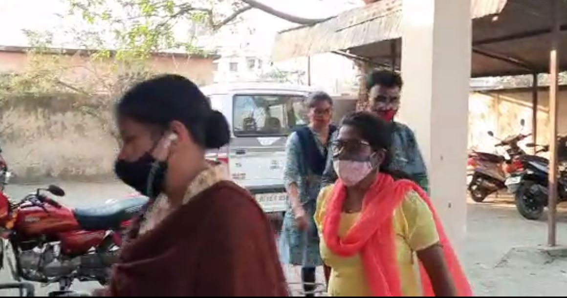Odisha Vigilance Arrested Two Officer And One Clerk In Bribe Case