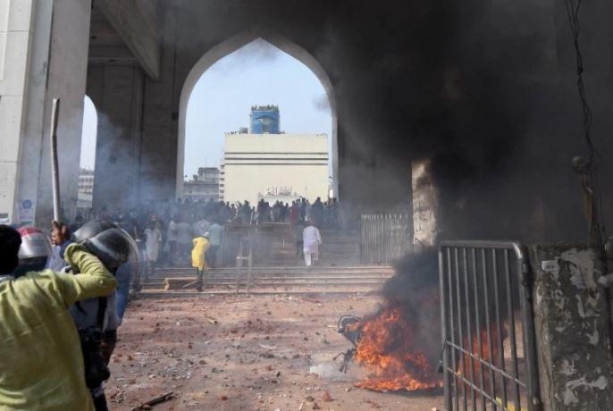 Bangladesh cracks down on Islamist group after anti-Modi protests