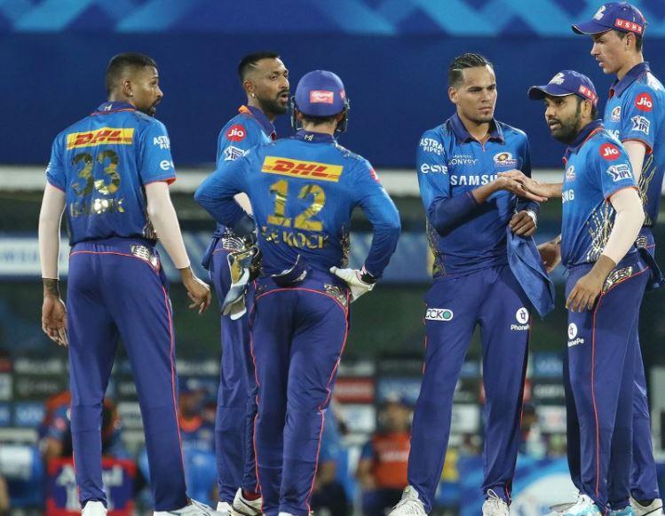 Mumbai Indians Beat KKR By 10 Runs IPL 2021 (2)