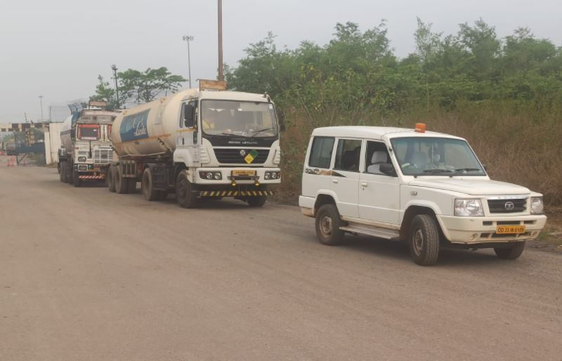 Odisha Police Escorted 2 More Tankers With Medical Oxygen On Way From Jajpur
