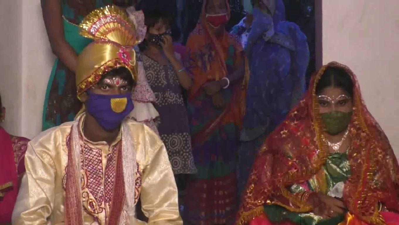 Two Dumb Married In Jaleswar