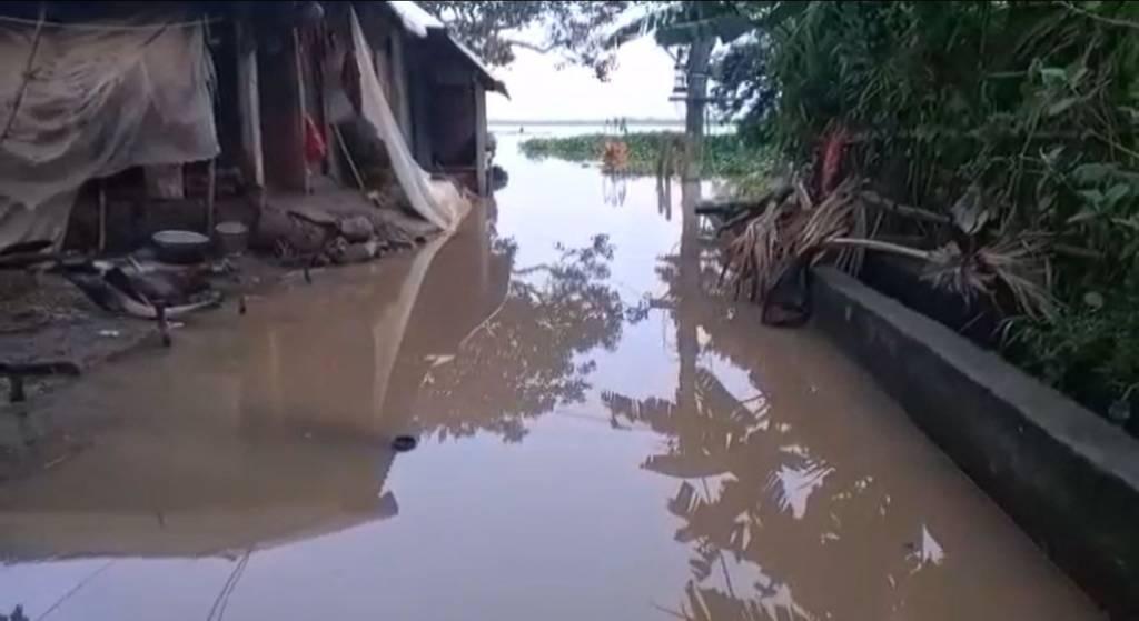 Baitarani Flood Water Entered In Village