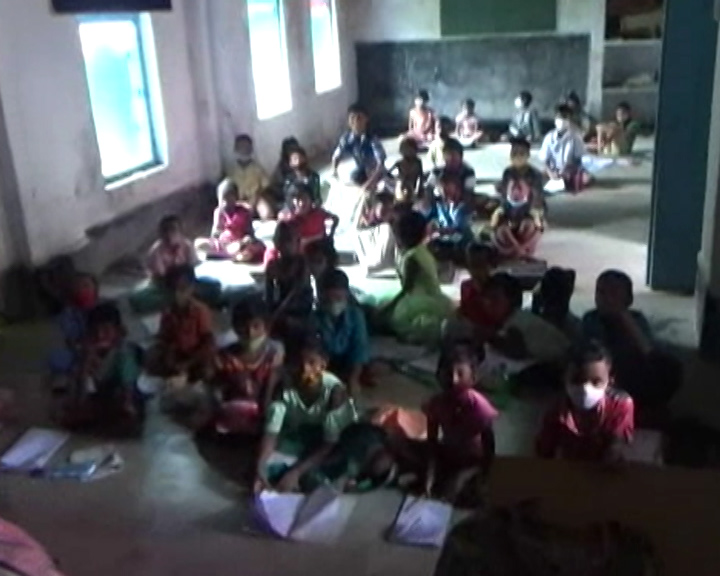 Jagatsinghpur 1st To 8th Class School Opened Violating Covid Norms