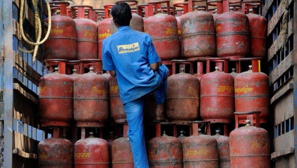 Lpg Cylinder Costlier By Rs 25 From Today